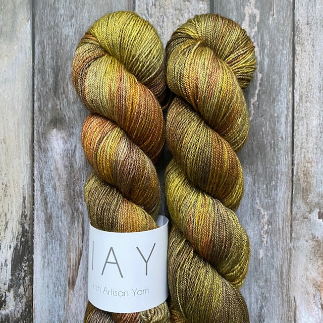 Irish Artisan Yarn MSY - Mount Erigal - Beautiful Knitters