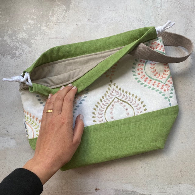 Saffron Blue PROJECT BAG - Spring Green Embroidered - Beautiful Knitters