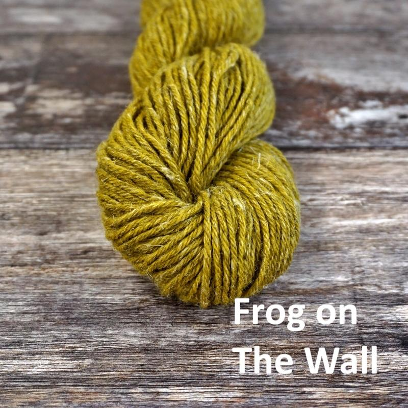 Stolen Stitches NUA SPORT - Frog on The Wall - Beautiful Knitters