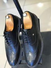 WINGTIP OXFORDS