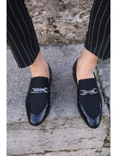 Laden Sie das Bild in den Galerie-Viewer, Lance Black Leather Loafers
