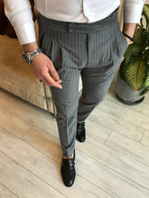 Laden Sie das Bild in den Galerie-Viewer, Lance Grey Stripe Double Pleated Slim Fit  Pants