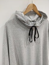 Load image into Gallery viewer, Frill Hem Hoodie