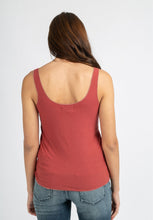 Load image into Gallery viewer, Lurex Trim Vest