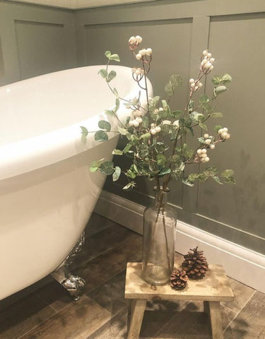 country cottage bathroom image