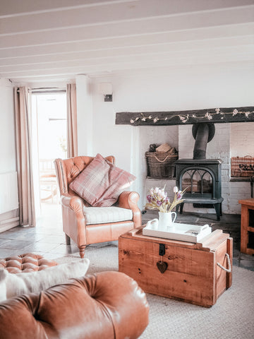 country cottage rustic living room