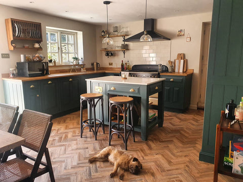stunning rustic country kitchen