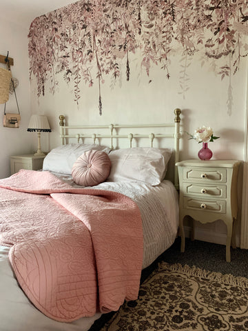 image of a beautiful country cottage bedroom decor