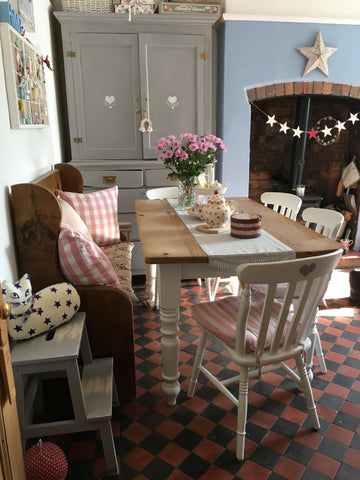 country living cottage table inspiration