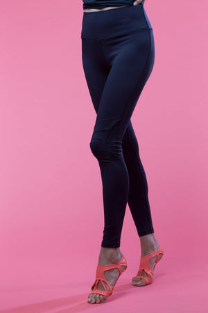 Lightly Padded Knee Yoga Pant - Black