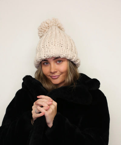 Chunky Knit Pom Pom Hat - Natural