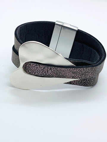 Heart Deco Wrap Bracelet - Grey