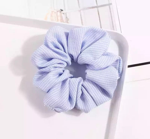 Houndstooth Scrunchie - Light Blue & White