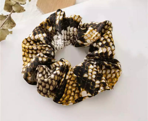 Snake-Print Scrunchie - Yellow