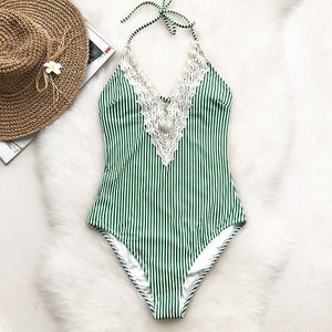 2019   V Neck Lace One-piece Swimsuit - Brows Forever