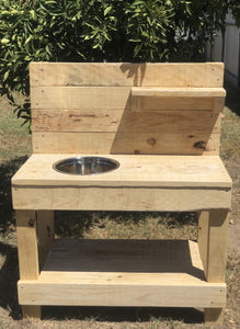 Eddie Mud Kitchen $265