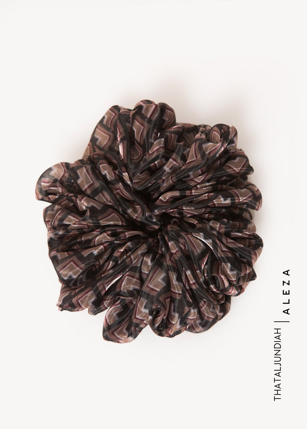 Thaksa Scrunchie Black