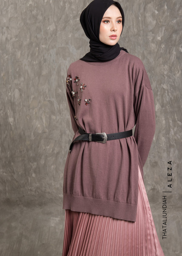 Tharmira Embellished Sweater Mauve