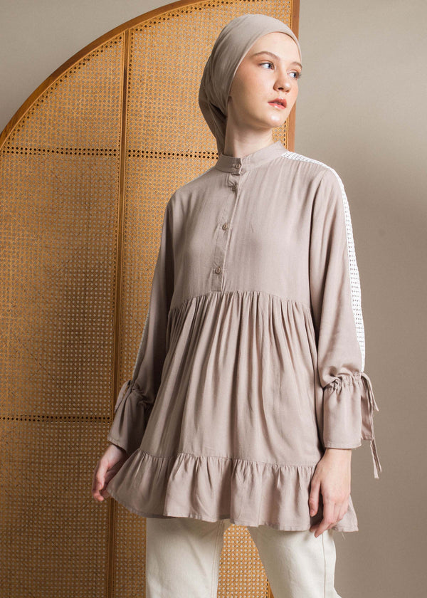 Clemia Top Brown