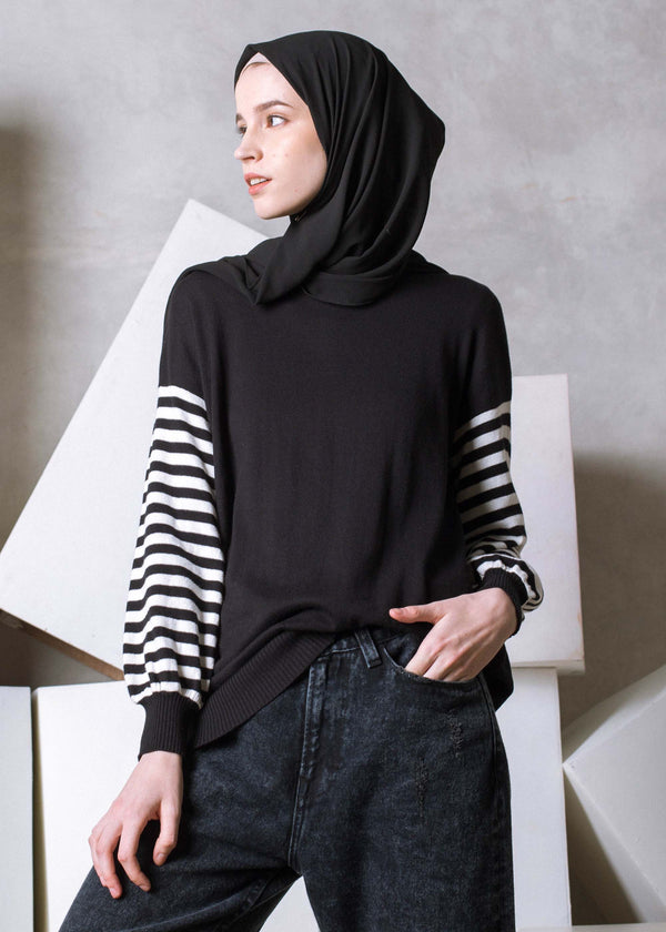 Nezya Sweater Black