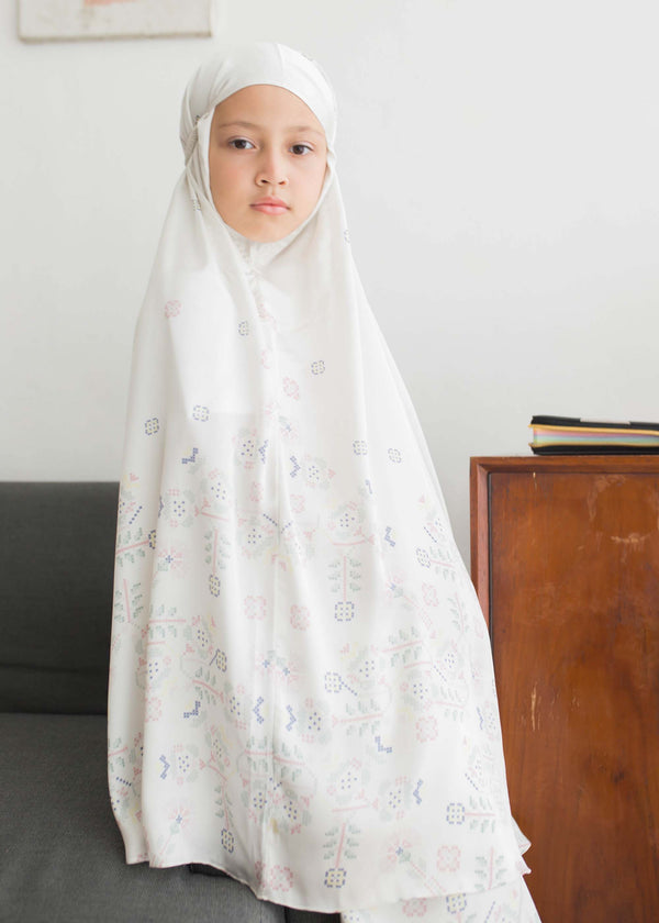 Saiza Prayer Set Off White
