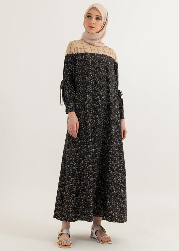 Namira Dress Black