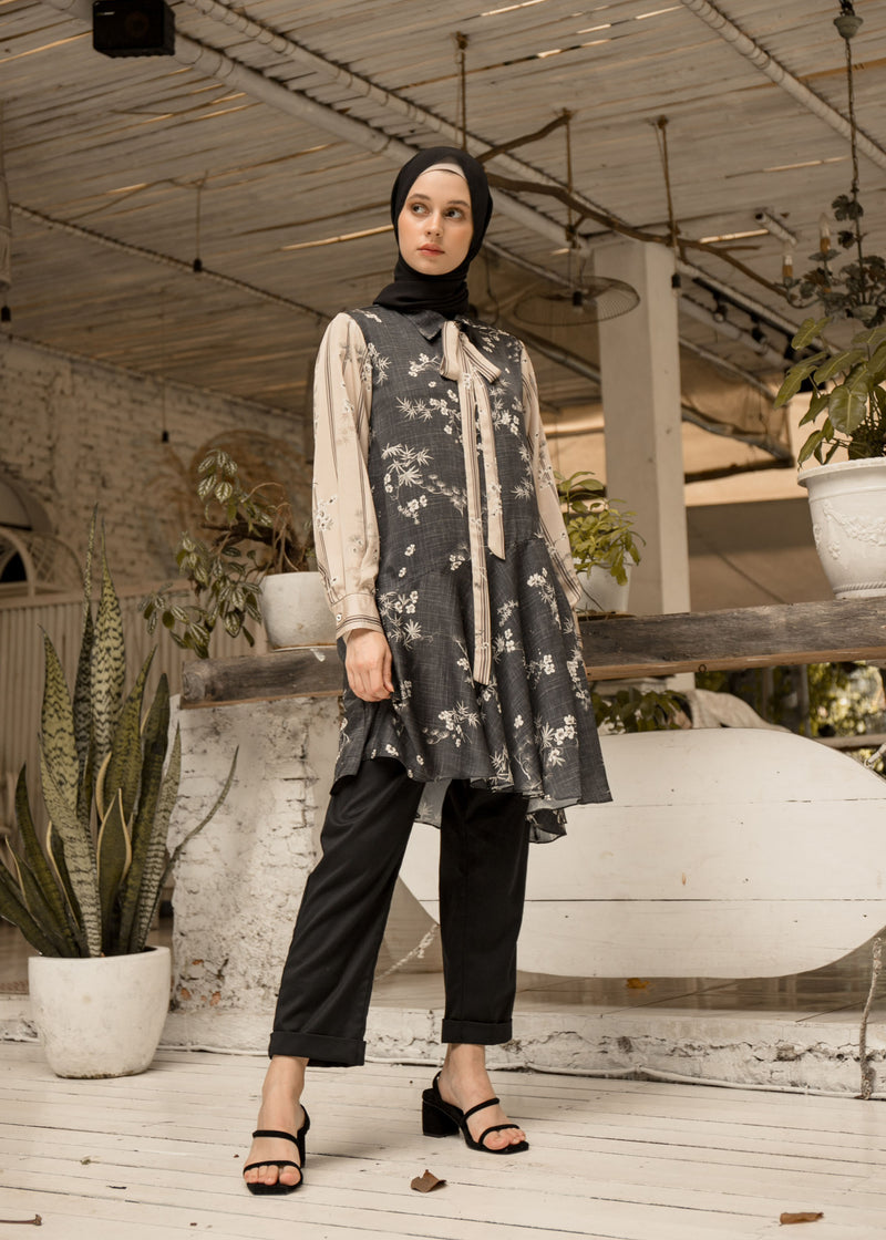Gizelle Tunic Black