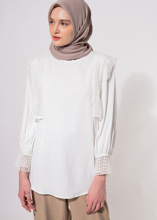 Disyara Top Broken White