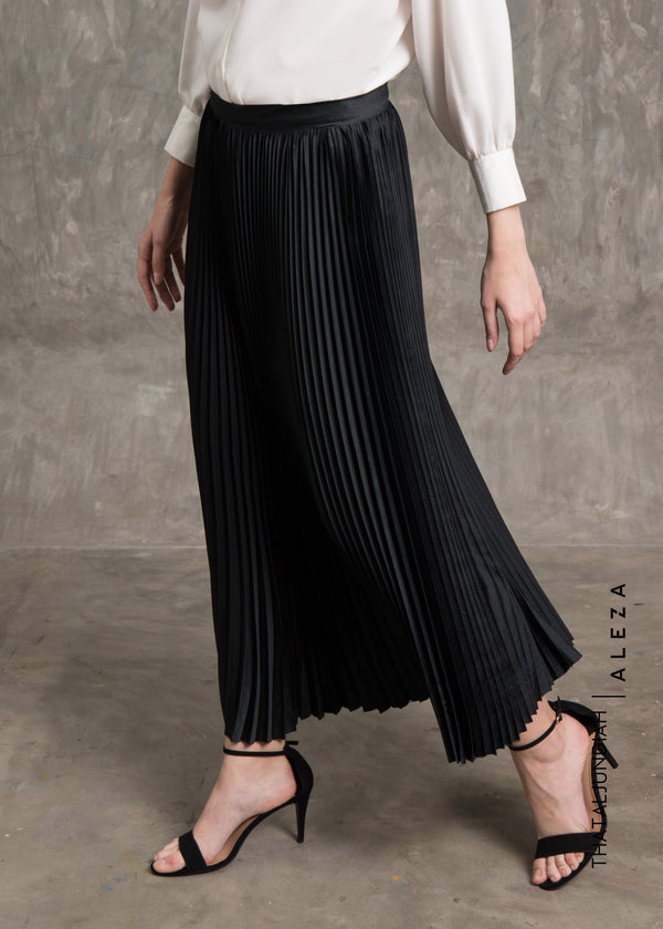 Tharva Pleats Skirt Black