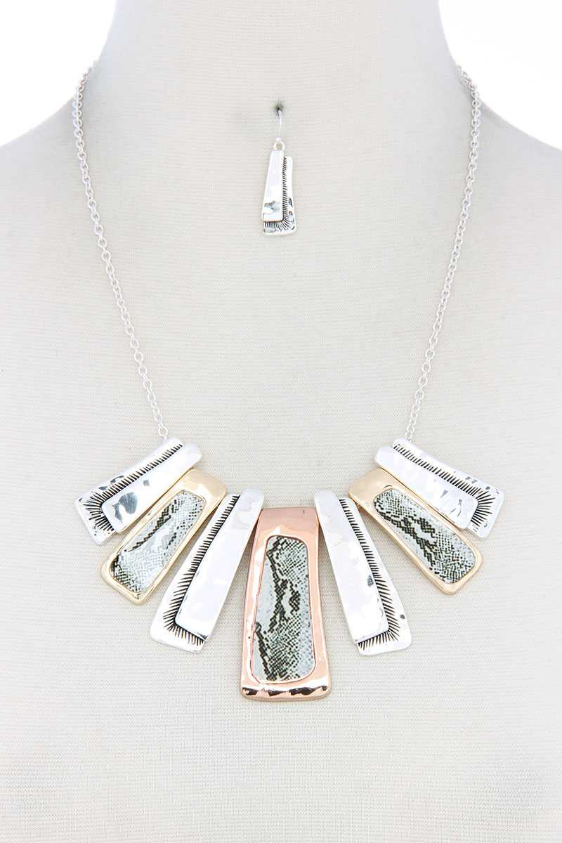 Animal Pattern Rectangular Necklace