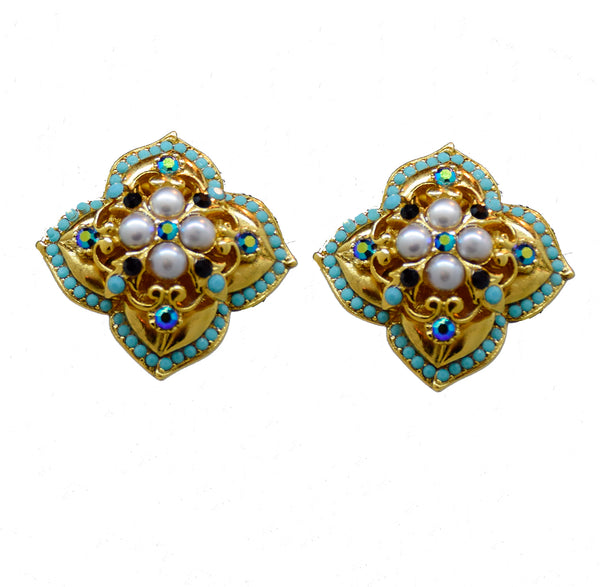 101  Turquoise and pearl crest button clip earring