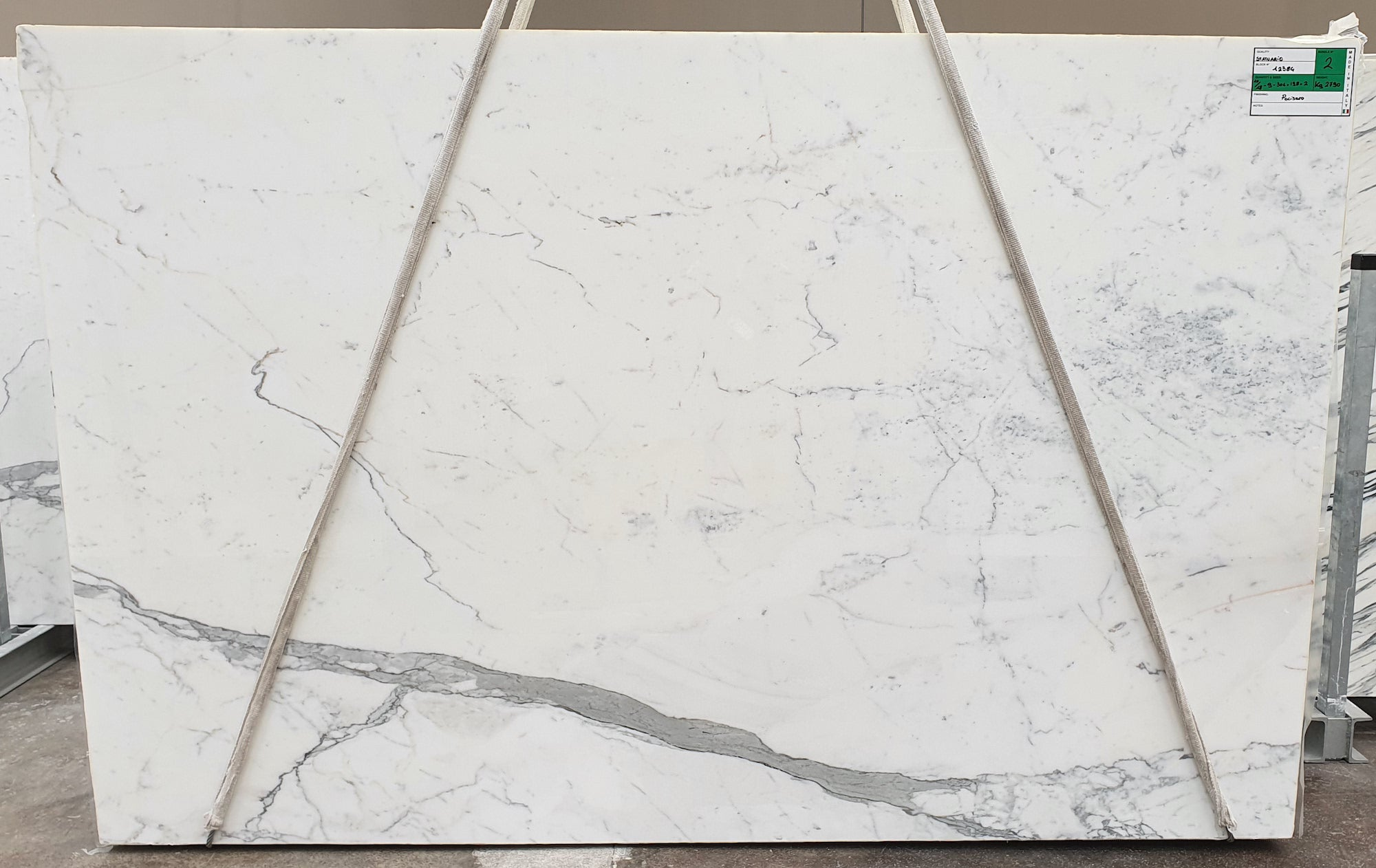 Carrara statuario slab 12384