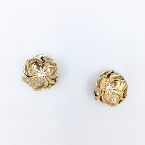 Flower Chic- Small Gold Metallic Stud
