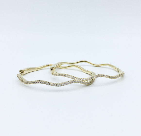 Studded Wavy Hoops - Large/ Gold