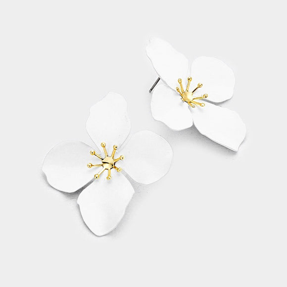 Flower Chic - White Stud III