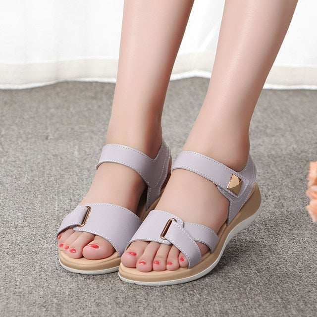 New Light Comfortable Leather Women Sandal For Summers