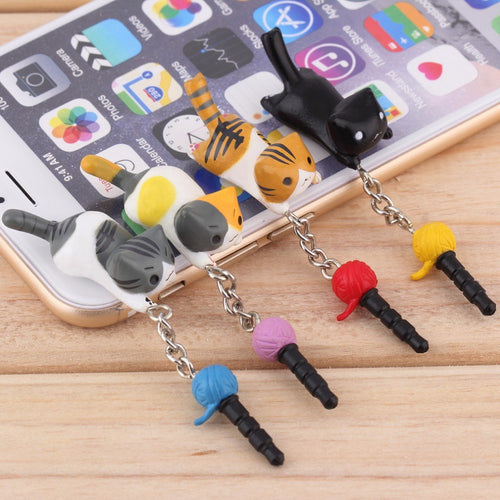 Super Cute Dust Plug Cat Playing With Ball 3.5mm Dust Plug For Smartphone/Iphone - ElectroCat