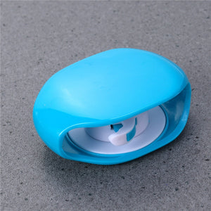 Automatic Roll Protection for Earphones' Cable Blue