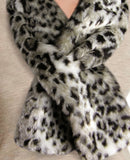 leopard faux fur scarf-close