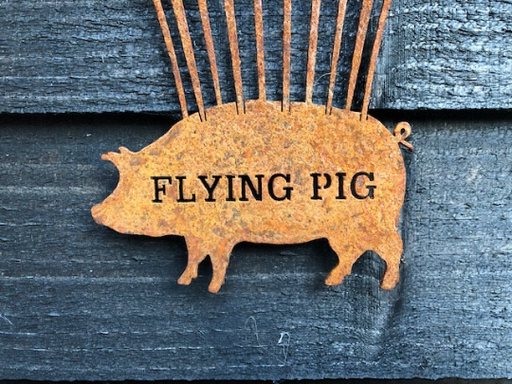 Rusty Flying Pig / Hot Air Balloon Pig / Rusty Pig / Metal Pig Ornament