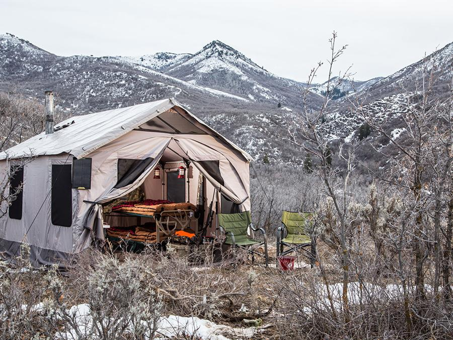 Outfitter Tent – Sleeps 8