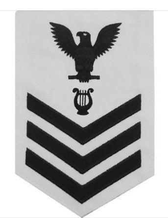 NAVY E6 MALE RATING BADGE: MUSICIAN - WHITE