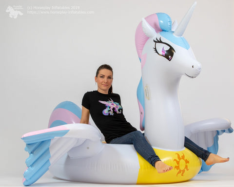 At-HomeCon 2020 SPECIAL: Feels like Heaven - inflatable pony float