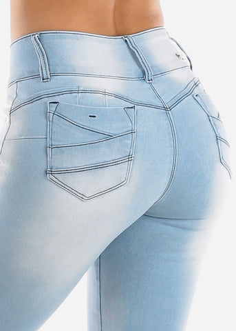 Image of Butt Lifting Light Wash Skinny Jeans