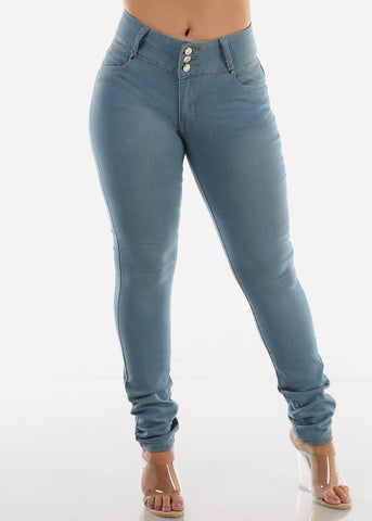Plus Size Light Wash Denim Levanta Cola Skinny Jeans