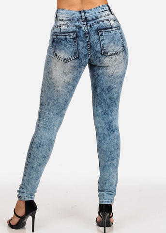 Image of Women's Junior Ladies 2 Button Light Marble Wash Mid Rise Skinny Jeans