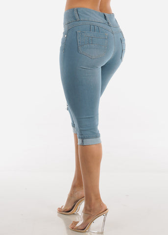 Levanta Cola Light Wash Ripped Denim Capris