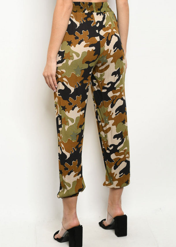 Lightweight Camouflage Cropped Jogger Pants