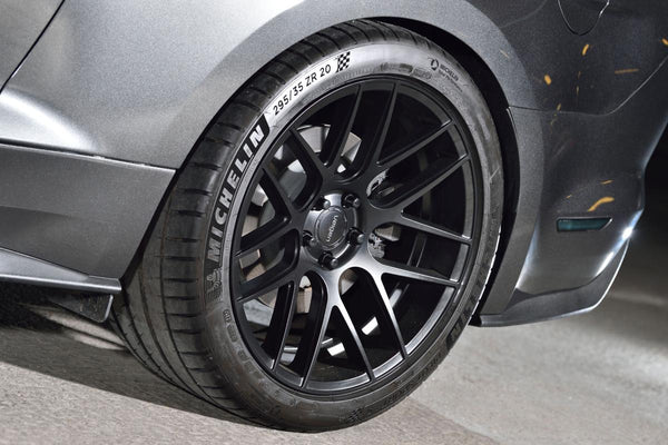 Velgen VMB7 with Michelin PS4S 295/35/20 and Diode smoked markers