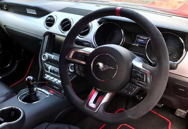 GT350R steering wheel & Steeda Cue Ball Shift Knob